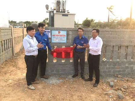 Đoàn cơ sở Công ty Điện lực Quảng Nam gắn biển công trình thanh niên