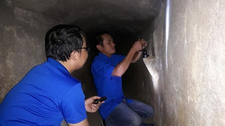 Bắt lại hệ thống điện chiếu sáng dưới hầm địa đạo Kỳ Anh