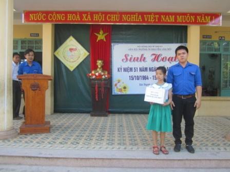 LIên đội TH Nguyễn Văn Trỗi: sinh hoạt kỷ niệm 51 năm ngày Anh Trỗi hy sinh
